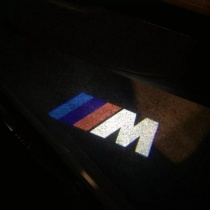 proyector-led-logo-bmw-performance-serie-123-x5x3-m-D_NQ_NP_631781-MLM28681552980_112018-F_1024x